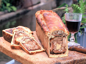 Traditional Amiens Pate en Croute